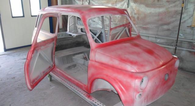 Steyr Puch 700C. Produkowany w latach 1960 – 1968. Auto w trakcie specjalnego przygotowania do lakierowania nadwozia. Kraj pochodzenia: Austria. Dziś właściwie: Steyr-Daimler-Puch. Ciekawostka: Historia firmy związana jest z naszym […]